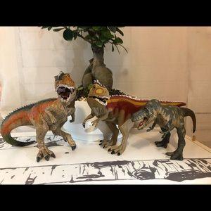 3 Dinosaur Action Figures!